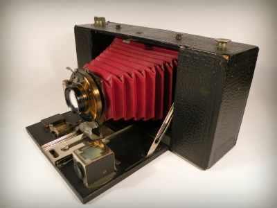 Kodak No 3A Folding Brownie Camera Model A.jpg
